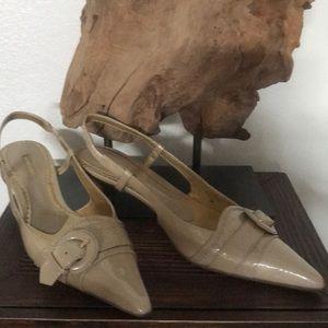 Jones New York great small heels sandals 🌸